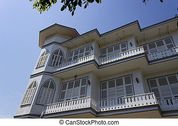 Altes historisches Haus in Buyukada, Istanbul - Truthahn.