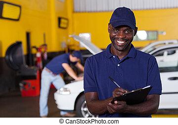 Amerikanischer amerikanischer Automechaniker-Bericht