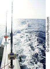 Angeln in einem großen Salzwasserschiff