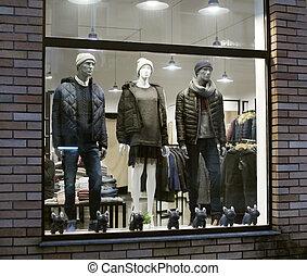 angezogene , shopwindow, mannequins, nacht
