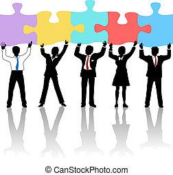 Business-Personen-Team hält Puzzle-Lösung.