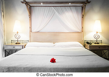 Das Bett ist für Touristen bereit.
