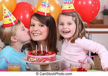 Die Geburtstagsparty des kleinen Mädchens