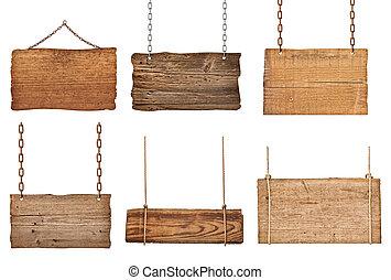 Die Holzzeichen-Signalkette hängt