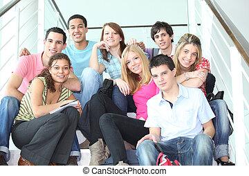 Die Jugend auf der Treppe