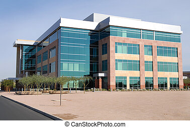 Ein großes modernes Bürogebäude