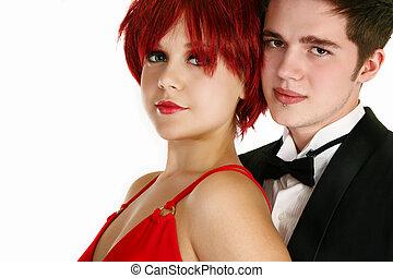 Ein junges formelles Paar