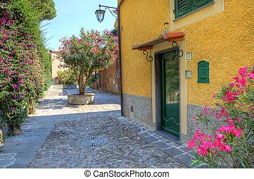 Ein kleiner Hof in Portofino, Italien.