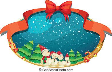 Ein Weihnachtsdekor mit vier Schneemännern.