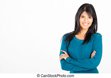 Eine fröhliche, zwanglose, hispanische Frau