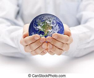Erde in Händen