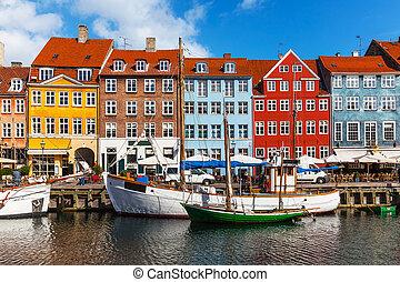 Farbe Gebäude von Nyhavn in copehnagen, Denmark.