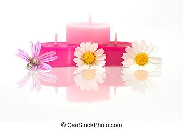 Farbige Kerzen mit Fließen