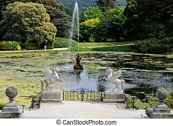 Formaler Garten mit Wasservorrichtung
