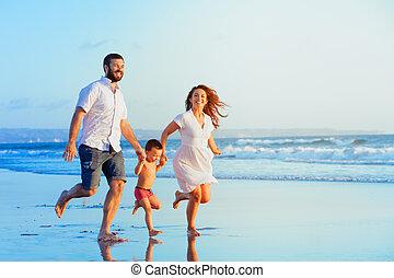Familie am strand nackte FKK Familien