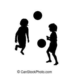 Fröhliche Kinder, die Fußball spielen.