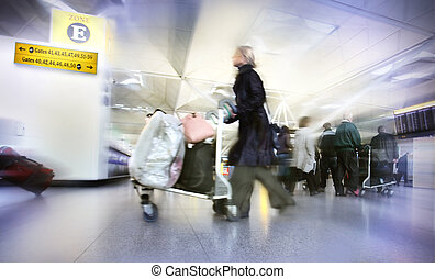 Frauen mit Taschen