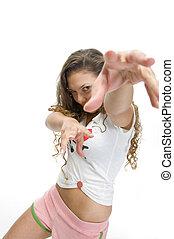 Frauenmodell in Tanzposition