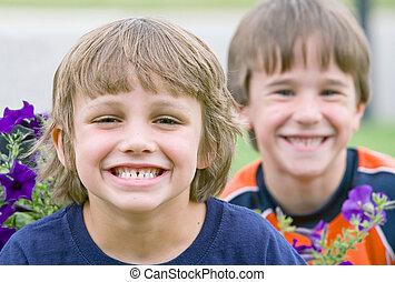Freunde lächeln