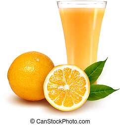 Frische Orange und Glas mit Saft