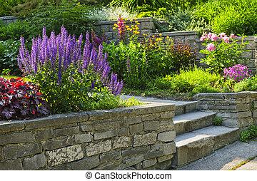 Garten mit steinernem Garten