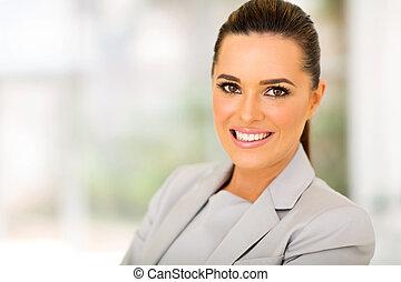 Geschäftsfrau im modernen Büro.