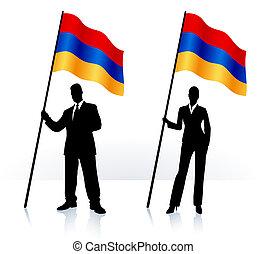 Geschäftssilhouetten mit Fahnen von Armenien.