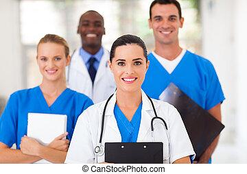 Gruppe von medizinischen Fachkräften