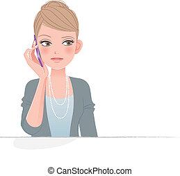 Hübsche Frau am Telefon