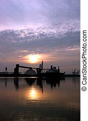 Hafenfrachtschiff