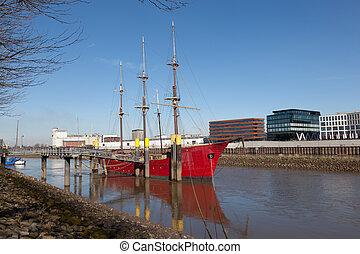 Historisches Segelschiff Anker am Weser Fluss in Bremen, Deutschland.