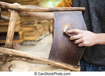 Holzmöbelrestauration.