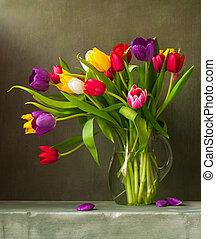 Immer noch Leben mit bunten Tulpen