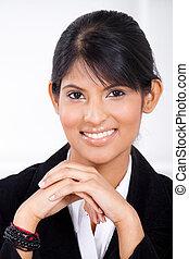 Kluge indische Geschäftsfrau