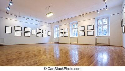 Kunstgalerie mit leeren Bildern