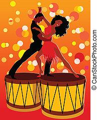 Lateinische Paare tanzen auf Bongos.