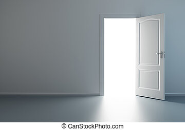 Leeres neues Zimmer mit offener Tür.