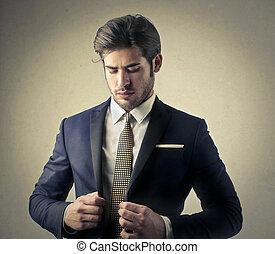 Mann in Anzug.