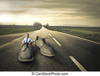 Mann in Schuh.