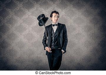 Mann in Vinatge-Anzug.