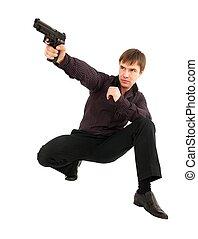 Mann mit einer Waffe