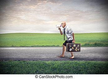 Mann mit Gepäck.
