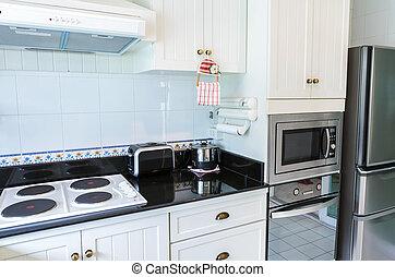 Moderne Küchenausstattung.