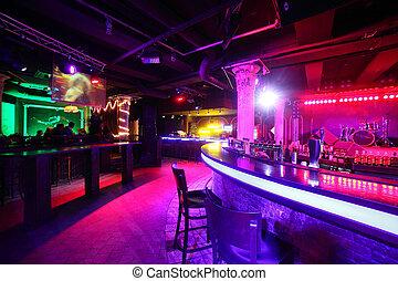 Moderner Nachtclub im europäischen Stil.
