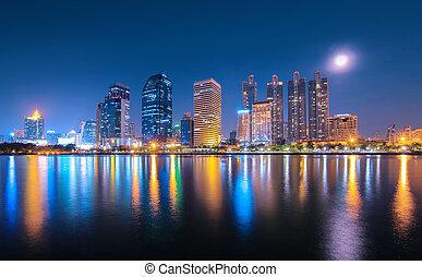 Nachts in der Stadt.