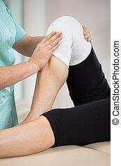 Patient nach Knieverletzung.