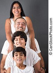 Perfekte indische Familie