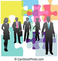 Problemlösung für Geschäftsleute mit Humanressourcen ist ein Rätsel