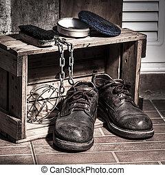 Rugged Schuhe.