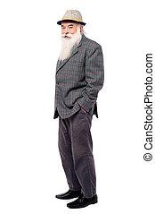 Schöner alter Mann im Anzug.